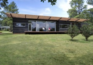 50ef1416b3fc4b53ef000027_smart-stell-residence-tonic-design-tonic-construction_smart_3_rear_exterior_day-528x369